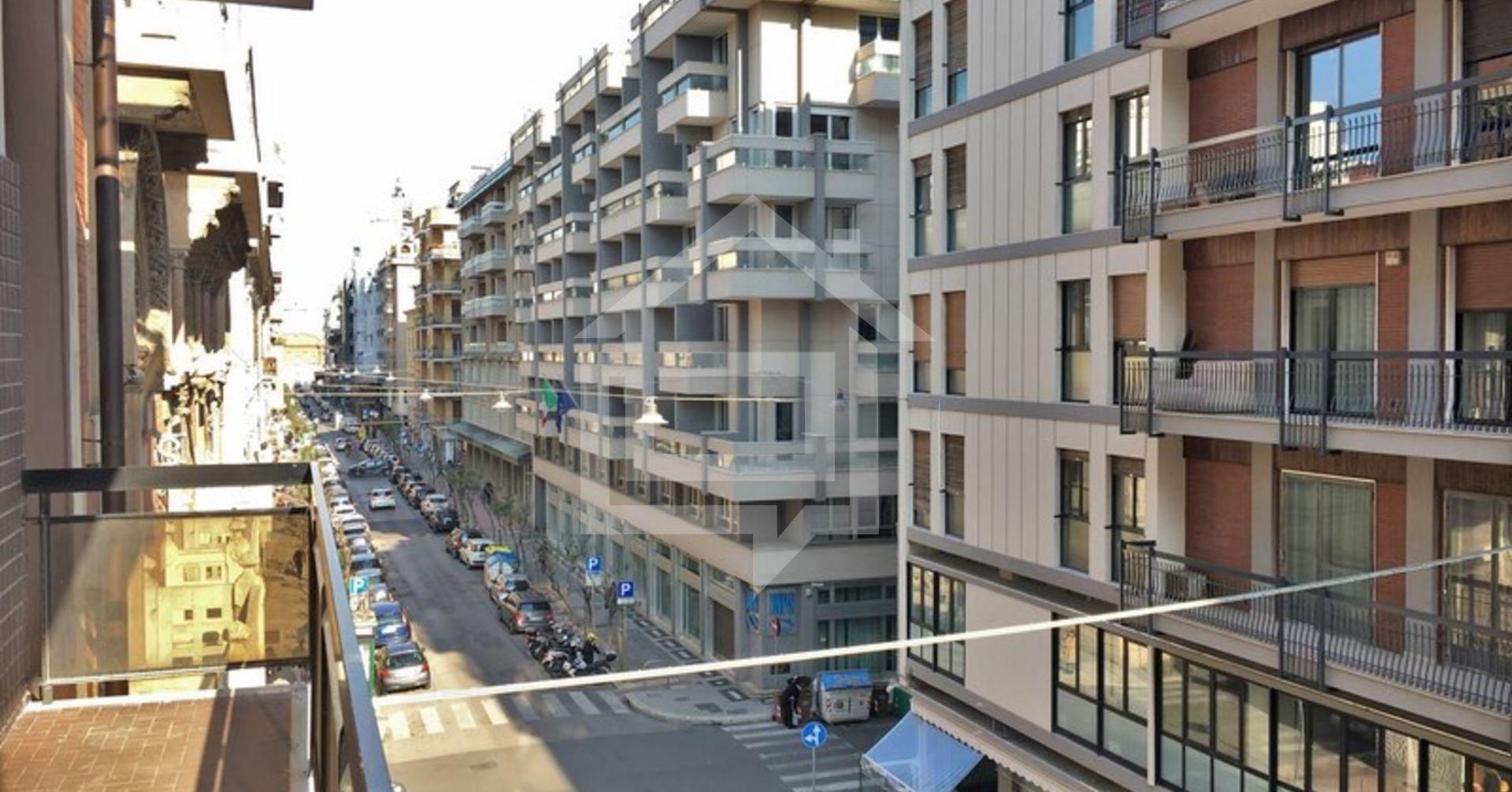 Divicasa appartamento in affitto a bari via putignani for Appartamento in affitto arredato bari