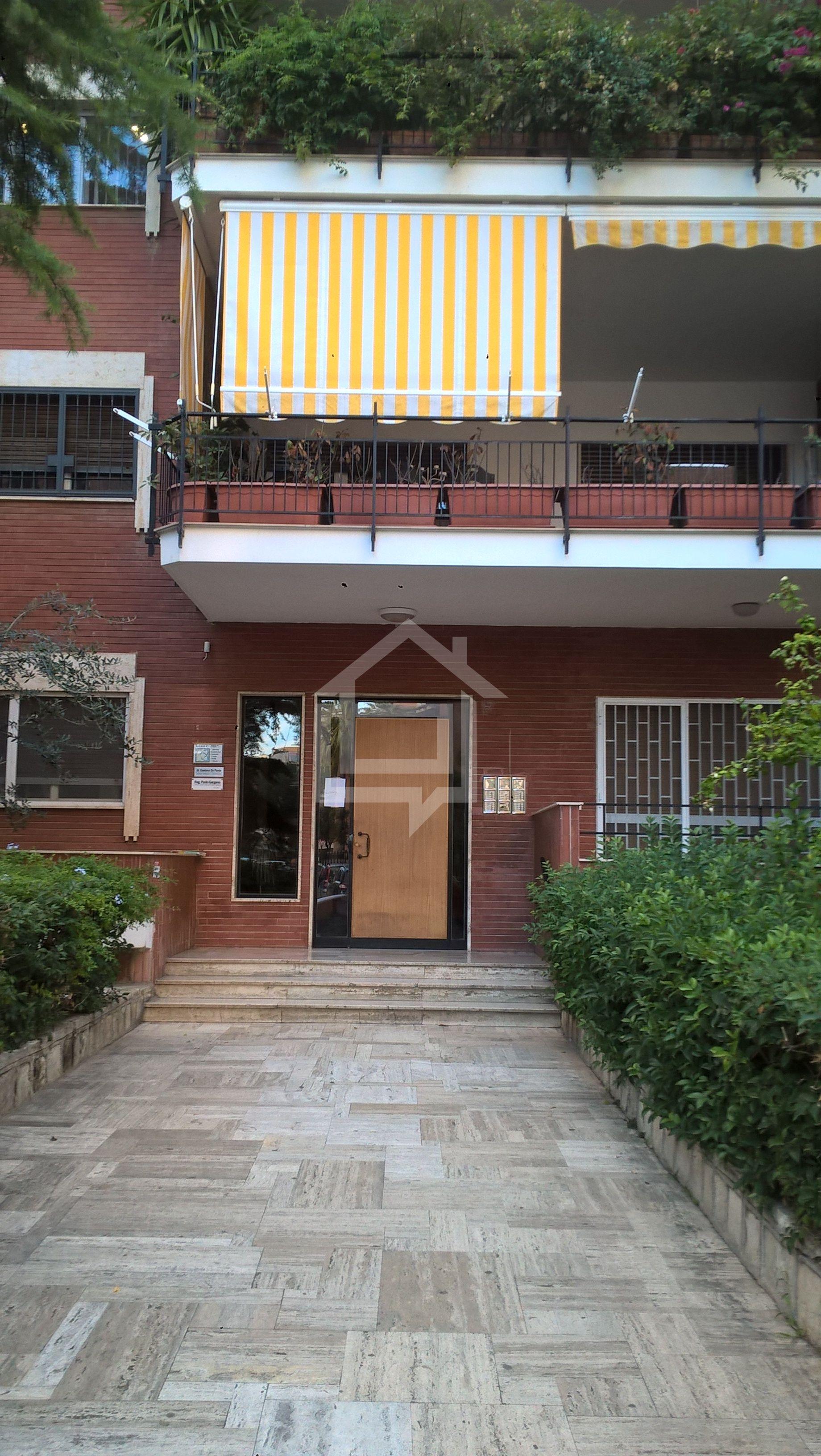 Divicasa appartamento in affitto a bari via mauro for Appartamento in affitto arredato bari